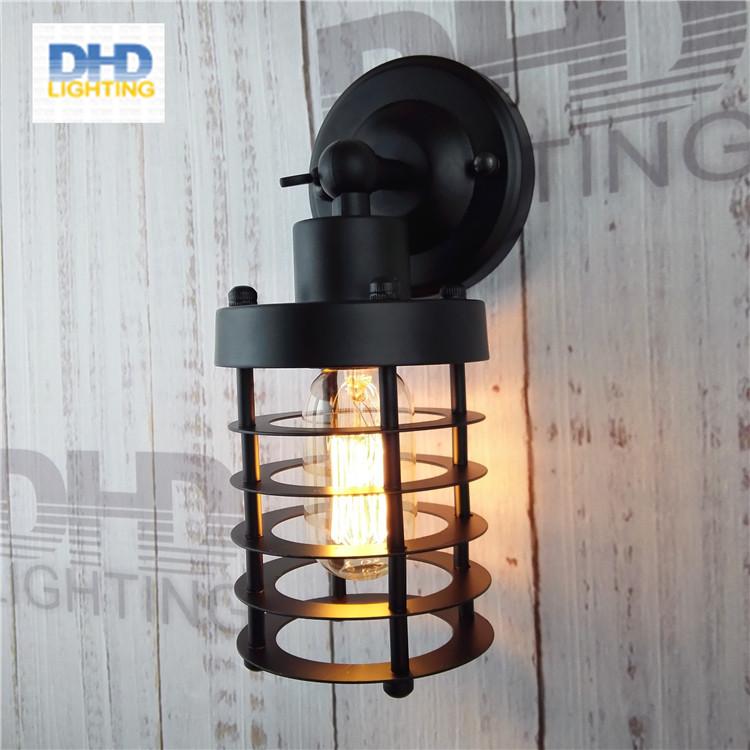 Đèn tường sắt DTG0006
