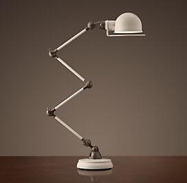 Đèn bàn sắt DBAN0051